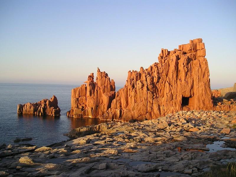 Traghetti Civitavecchia Arbatax   Le meravigliose scogliere rosse di Arbatax in Sardegna