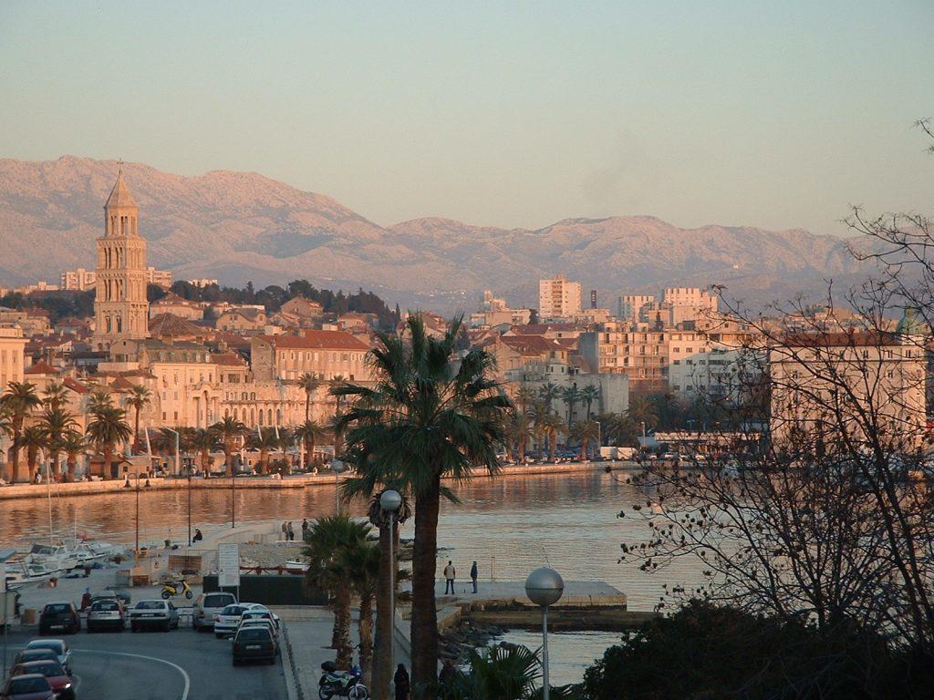 Traghetti Ancona Spalato | Città di Spalato al tramonto
