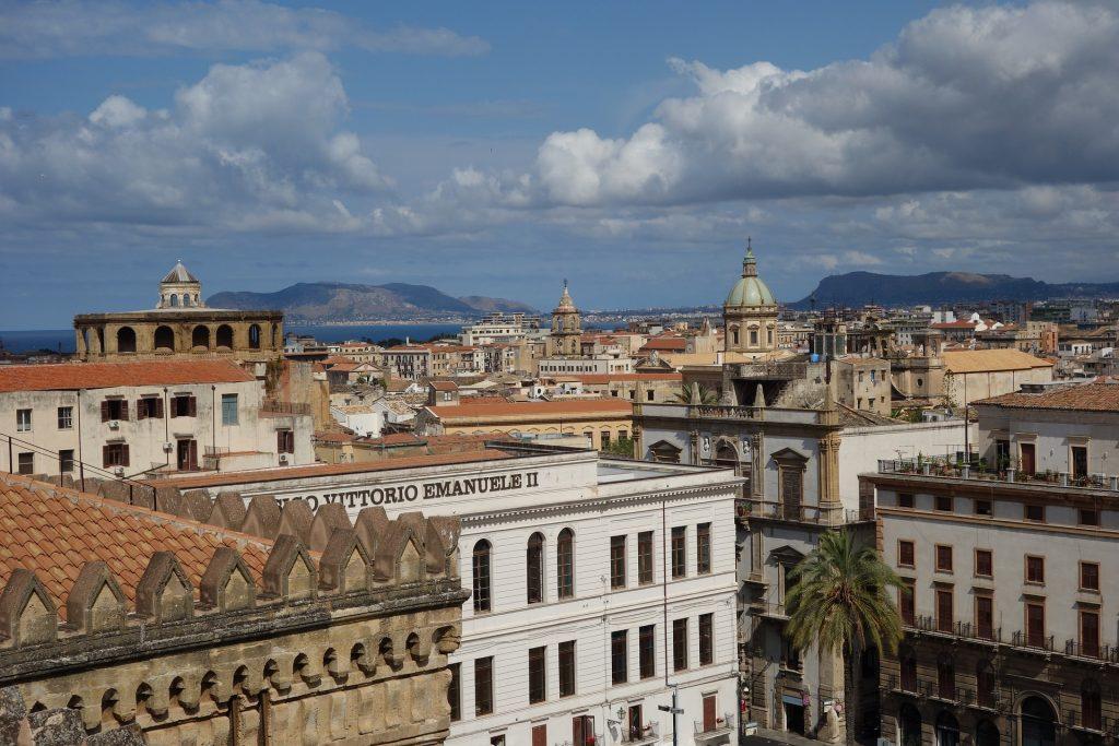 Centro di Palermo dall'alto   Traghetti Civitavecchia Palermo