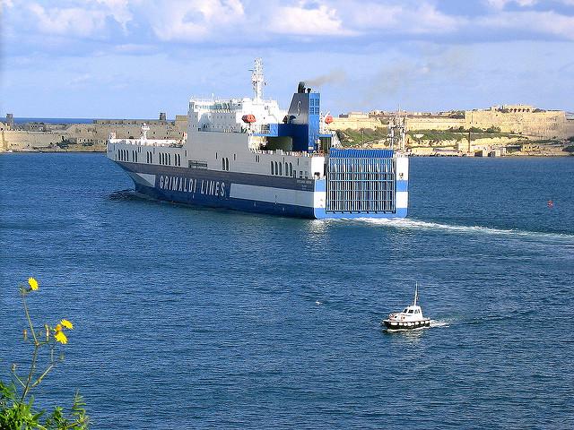 Traghetti Grimaldi Lines Sardegna | Traghetto diretto verso la Sardegna