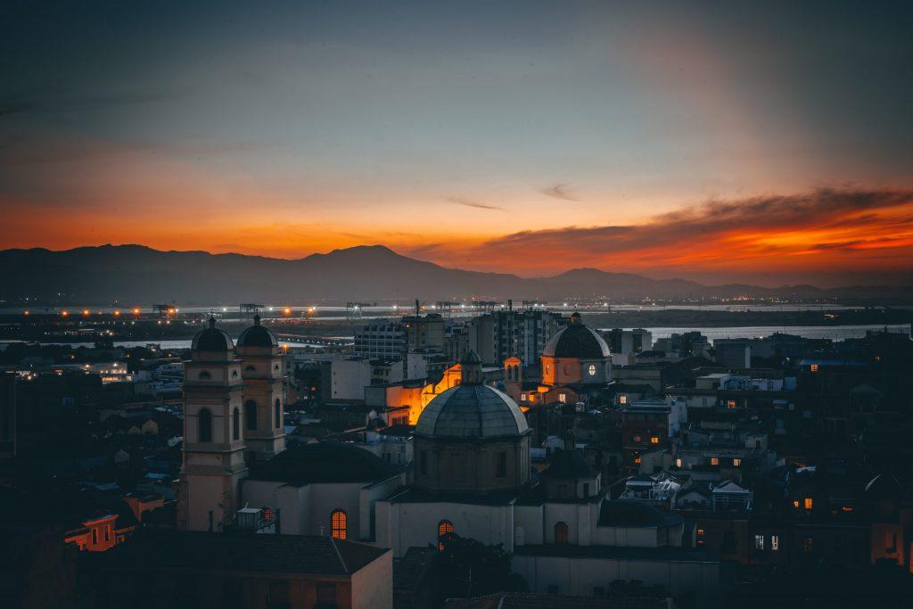 Traghetti Civitavecchia Cagliari   Centro di Cagliari al tramonto