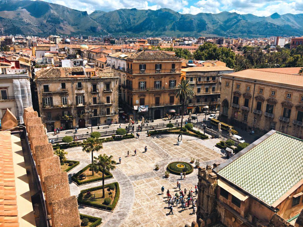 Navi Genova Palermo   Piazza centrale di Palermo vista dall'alto